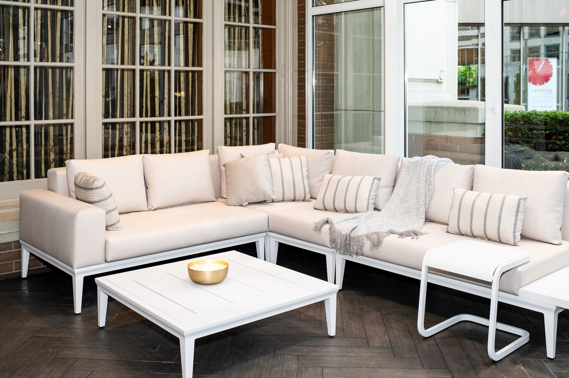 alassio sectional  lifestyle