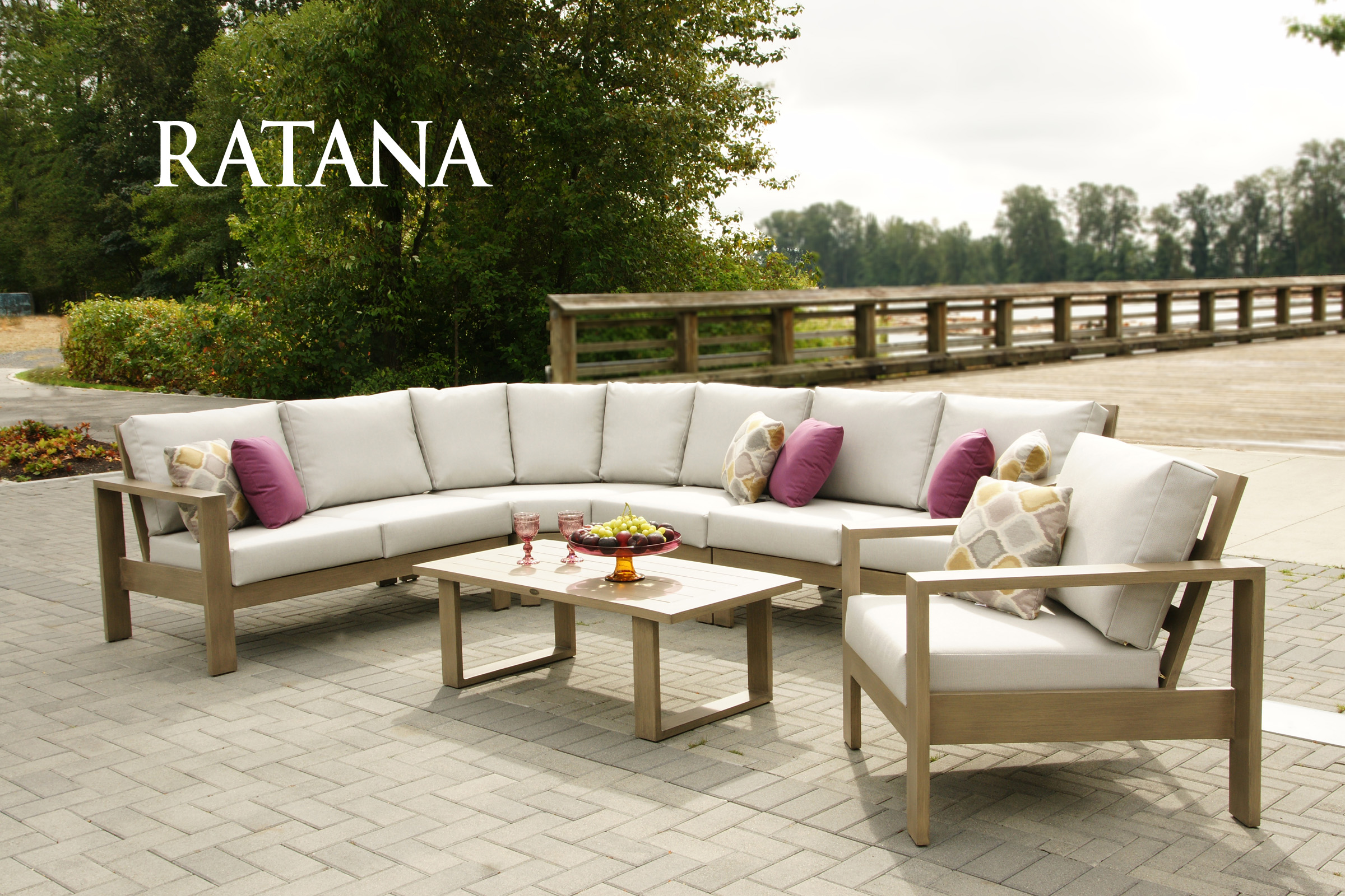 Park Lane Sectional | Patio Bay