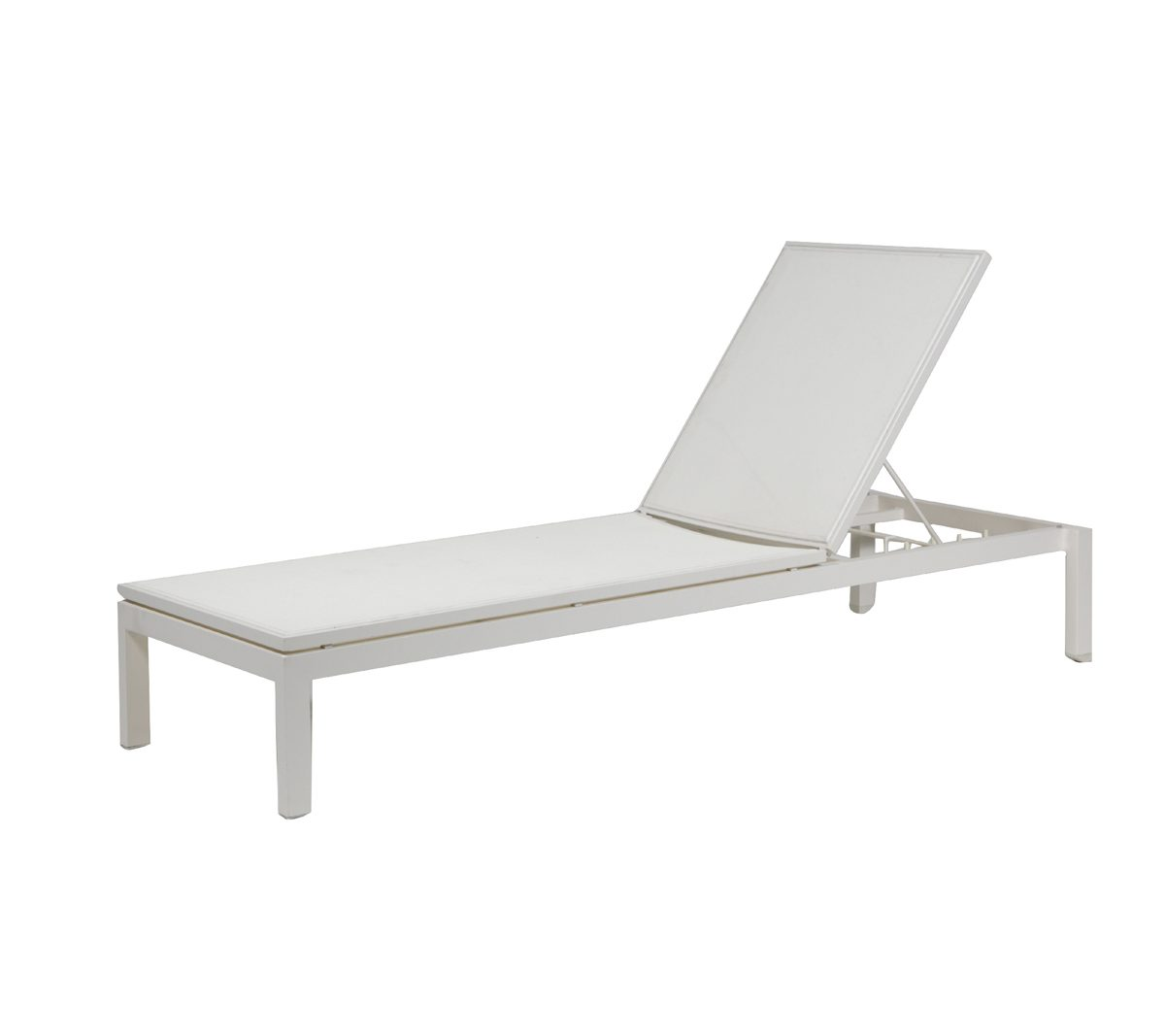 Ratana Tosca lounger in white metal frame with white mesh finish