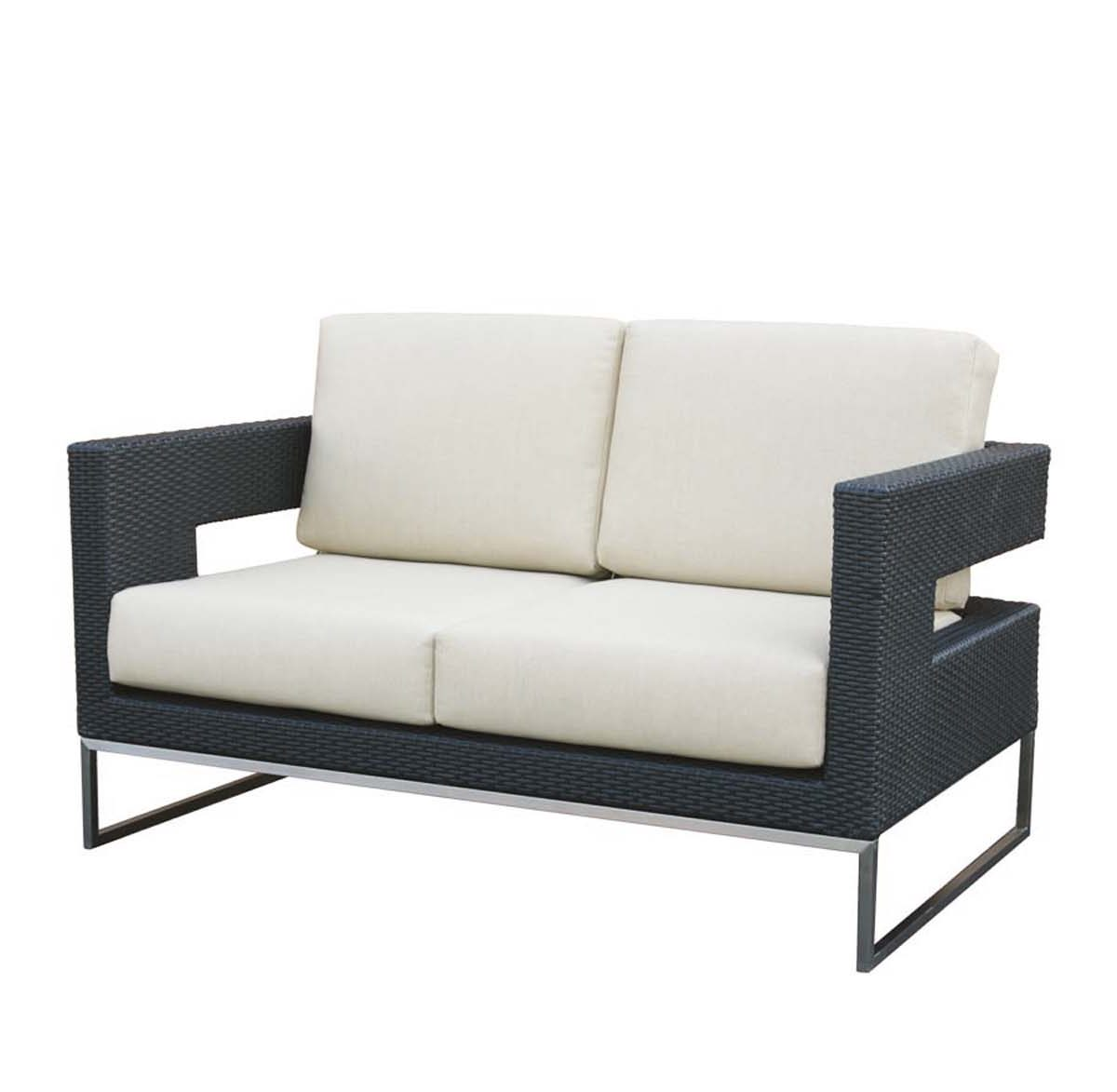 The Vilano love seat Ratana with black frame, steel legs and cream colored cushions.