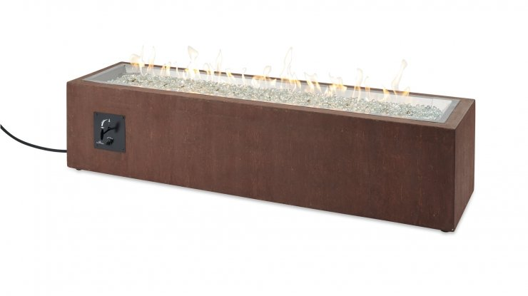 The Cortlin Linear fire table with flames on.